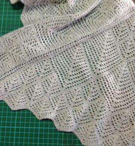 Unwind knitted shawlette